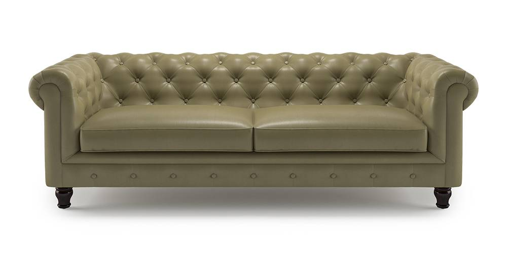 Winsome Winchester. The classic chesterfield sofa makes a comeback, recreating the charm of erstwhile English clubs and libraries.