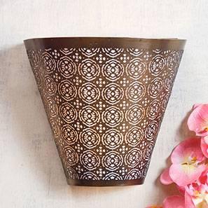 Zubin Wall Light (Antique Brass Base Finish, Brass Shade Colour)