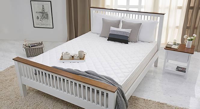 Dreamlite Comfort Mattress (Queen Mattress Type, 78 x 60 in Mattress Size, 9 in Mattress Thickness (in Inches), Yes) by Urban Ladder